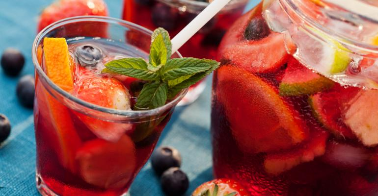 Diversifique sua carta de bebidas com drinques à base de vinhos